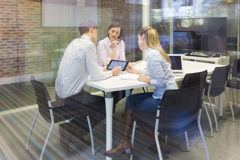 Four top tips for aligning sales and marketing with ABM